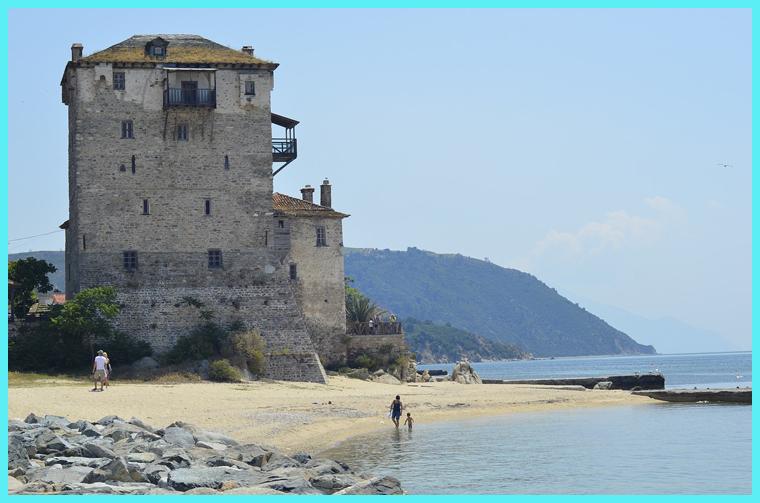 старинный замок в Греции