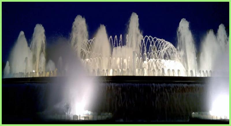 магический фонтан Монжуик вечером