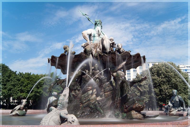 Фонтан Нептун в Германии