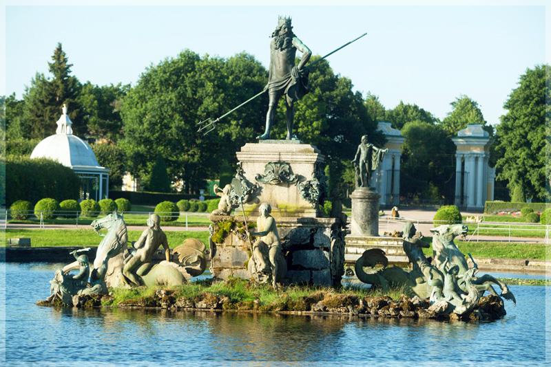 Фонтан Нептун в Петергофе