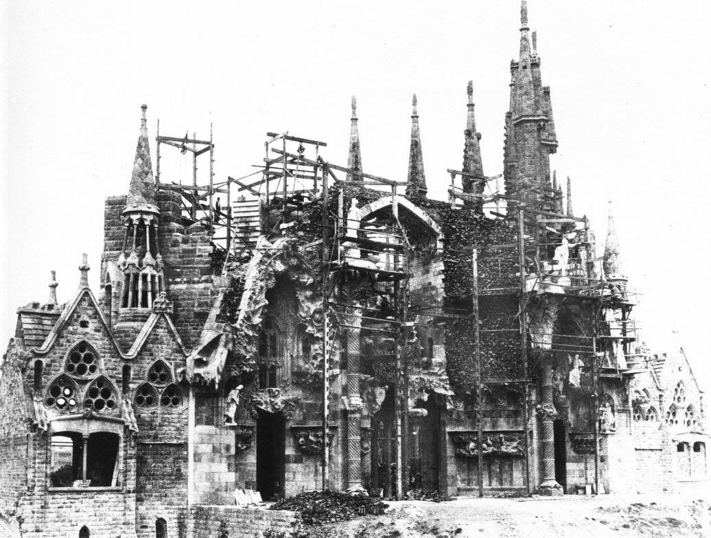 старое фото храма саграда фамилия